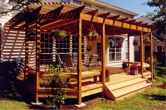 cropped-small-backyard-deck-idea.jpg